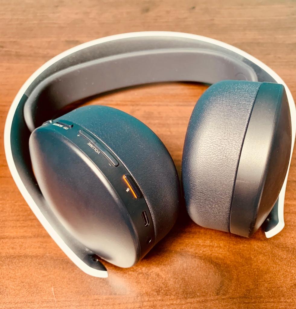 Pulse 3D Wireless Headset Buttons